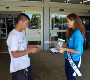Volunteer beauty queens collect donations for Family Programs Hawaii